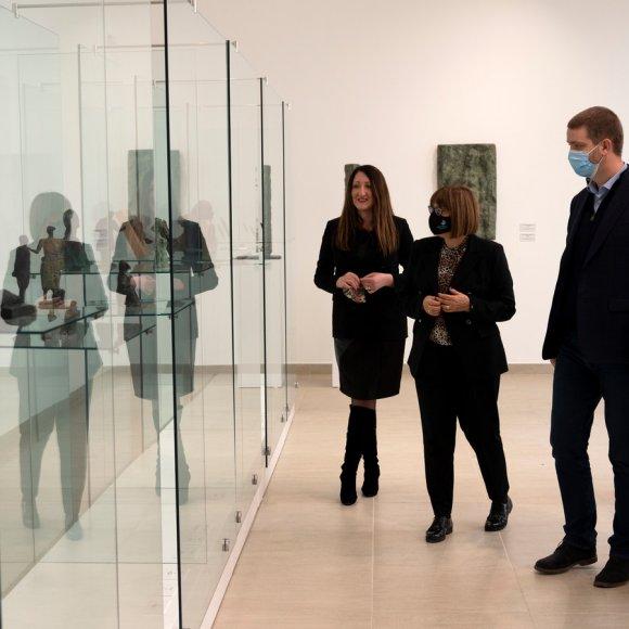 Министарка Маја Гојковић и градоначелник Крагујевца Никола Дашић у посети Легату Николе Јанковића